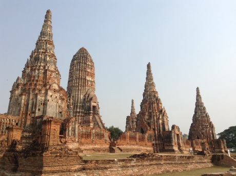 Wat Chaiwatthanaram by land