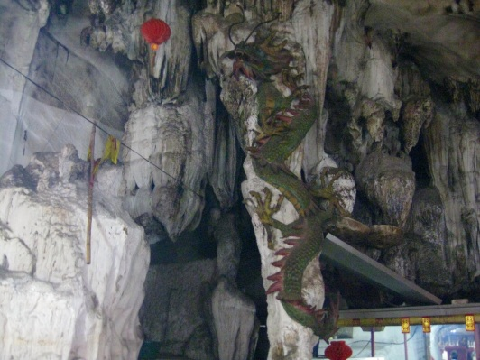 Dragon carved into Ling Sen Tong Cave temple wall
