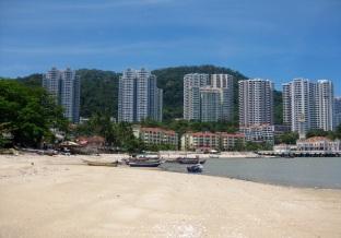 Floating mosque towards Batu Ferringhi beach