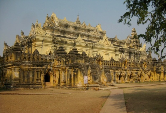 Me Nu Ok Kyaung Monastery-Inwa