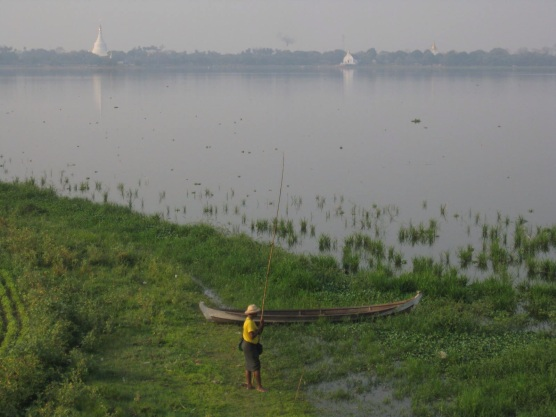 Fisherman, Taungthaman Lake at U Bein Bridge