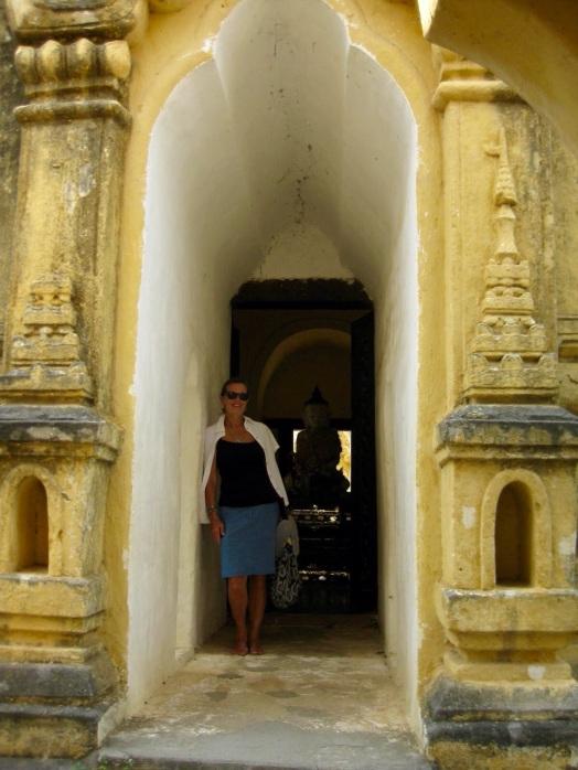 Me Nu Ok Kyaung Monastery doorway