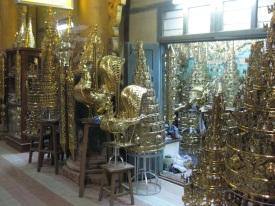 Maha Myat Muni pagoda metal work