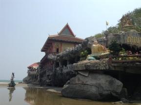 Had Khao Tao temple complex