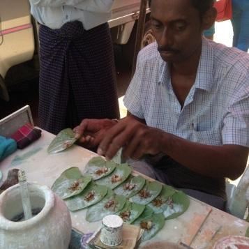 Making Betal leaf quids