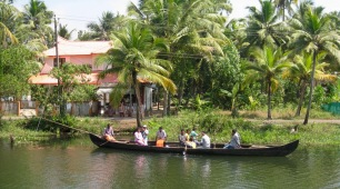 Family transport on the waterway